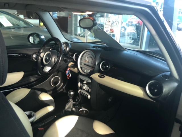Mercedes E trieda Cabrio 220CDI 7G-TRONIC AMG
